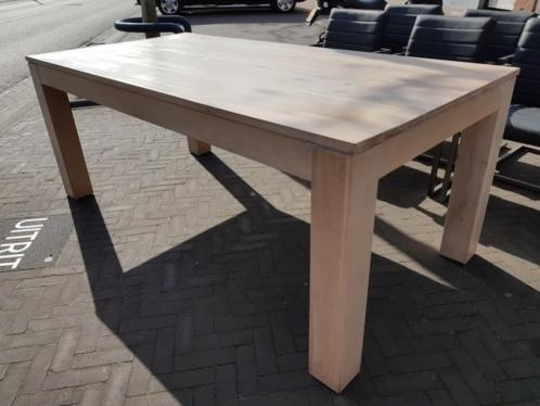 Eettafel massief eiken in whitewash meubeloutlet